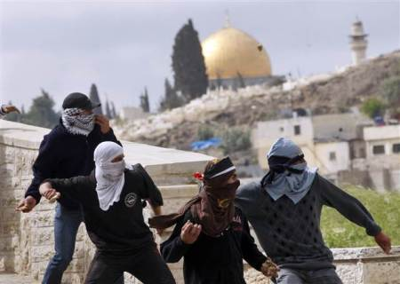 Palestinian youth resisting in East Jerusalem. @PFLP